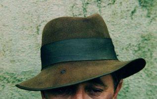 Robert Mitchum.... 2