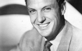 Robert Stack (January 13, 1919 - May 14, 2003).... 5
