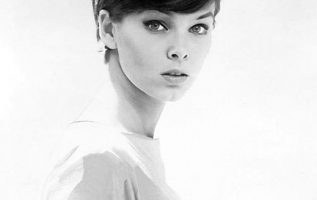 Yvonne Craig (May 16, 1937 - August 17, 2015).... 5