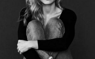 Yvonne Strahovski.... 3