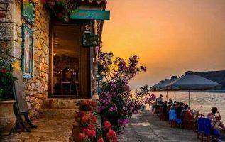 Ο ήλιος ετοιμάζεται να φιλήσει τη θάλασσα στο Λιμένι..... 2