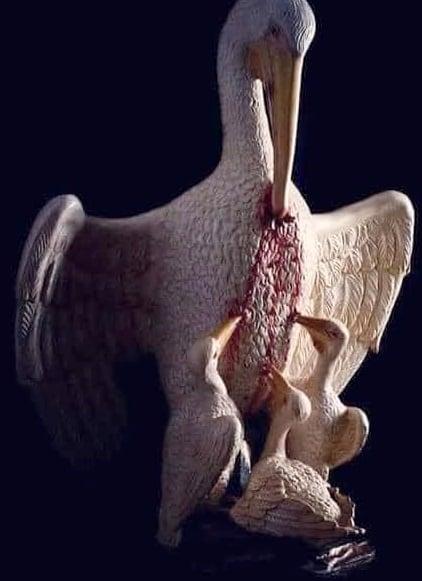λέγεται ότι «οι πελεκάνοι πληγώνουν τα στήθη τους μόνοι τους σε περιόδους έλλειψ... 1