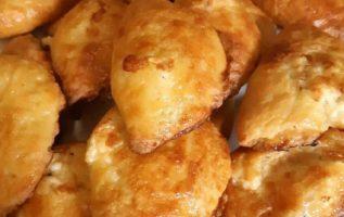 Πεντανόστιμα τυροπιτάκια με γιαούρτι... 2