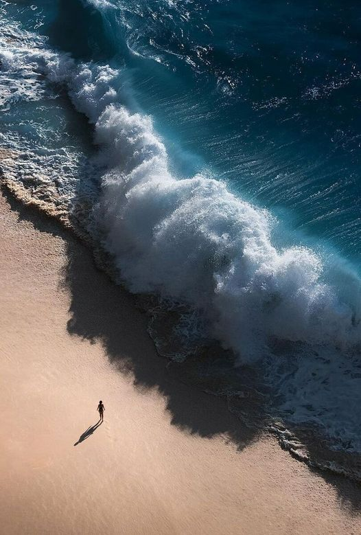 A giant wave crashed on the shore... 1