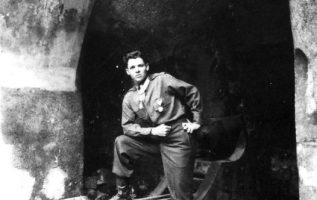 Actor and War Hero Audie Murphy (June 20, 1925 - May 28, 1971).... 2