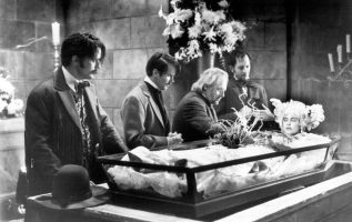 Billy Campbell, Cary Elwes, Anthony Hopkins, Richard E. Grant and Sadie Frost in... 4