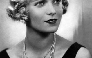 English Actress Anna Neagle (October 20, 1904 - June 3, 1986).... 2