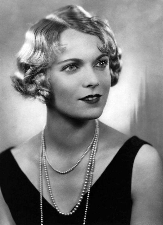 English Actress Anna Neagle (October 20, 1904 - June 3, 1986).... 1