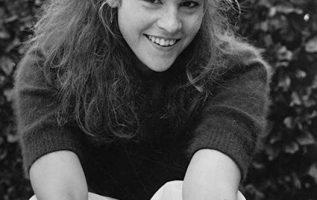 Happy Birthday to Ally Sheedy who turns 59 today!... 4