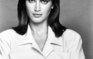 Happy Birthday to Amanda Pays who turns 62 today! Pictured here back in the 198... 2