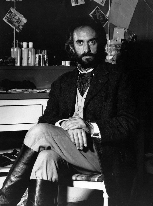 Happy Birthday to Jonathan Pryce who turn s74 today! Pictured here in Something... 1