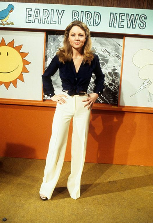 Happy Birthday to Lisa Hartman who turns 65 today! Pictured here on Tabitha.... 1