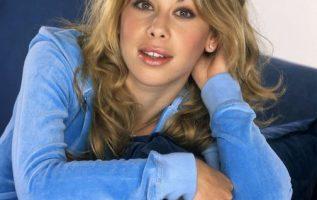 Happy Birthday to Olympic Gold Medal Figure Skater Tara Lipinski who turns 39 to... 3