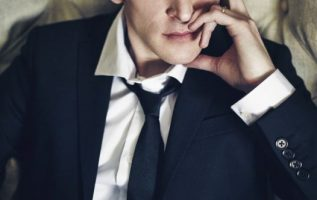 Happy Birthday to Robin Lord Taylor who turns 43 today!... 4