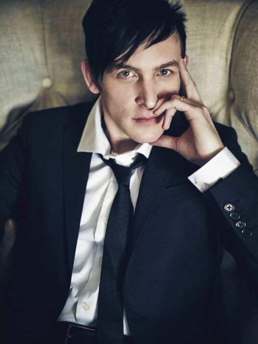 Happy Birthday to Robin Lord Taylor who turns 43 today!... 1