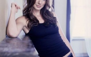 Happy Birthday to Sarah Wayne Callies who turns 44 today! Pictured here in Pri... 5