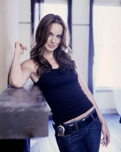Happy Birthday to Sarah Wayne Callies who turns 44 today! Pictured here in Pri... 1
