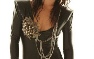 Happy Birthday to Scream Queen Danielle Harris who turns 44 today!... 4
