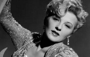 Ilona Massey (June 16, 1910 - August 20, 1974),... 5