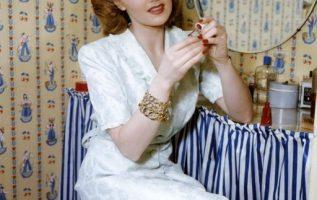 Joan Caulfield (June 1, 1922 - June 18, 1991).... 4