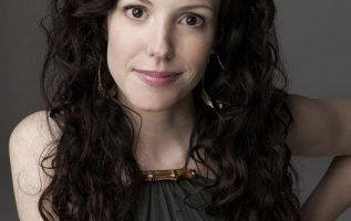 Mary-Louise Parker.... 5