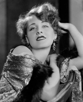 Norma Shearer (August 10, 1902 - June 12, 1983) photographed by George Hurrell.... 6