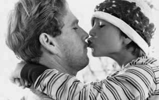 Ryan O'Neal with his daughter Tatum back in the 70s.... 2