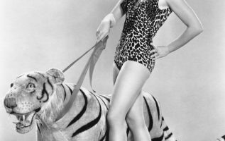 Shirley Jones and a tiger. How brave of her.... 3
