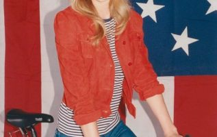 Taylor Swift.... 3