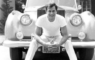 Tony Curtis (June 3, 1925 - September 29, 2010) photographed by Ralph Crane.... 3