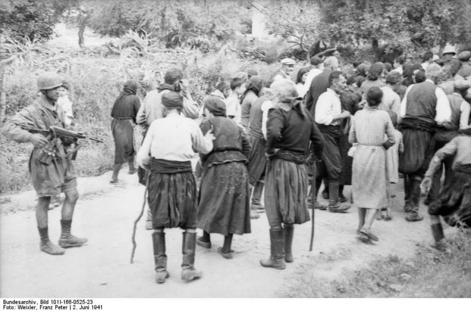 Στις 2 Ιουνίου 1941, Γερμανοί αλεξιπτωτιστές εκτέλεσαν τους άρρενες κατοίκους το... 5