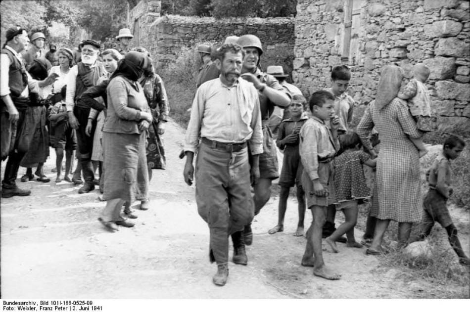 Στις 2 Ιουνίου 1941, Γερμανοί αλεξιπτωτιστές εκτέλεσαν τους άρρενες κατοίκους το... 4