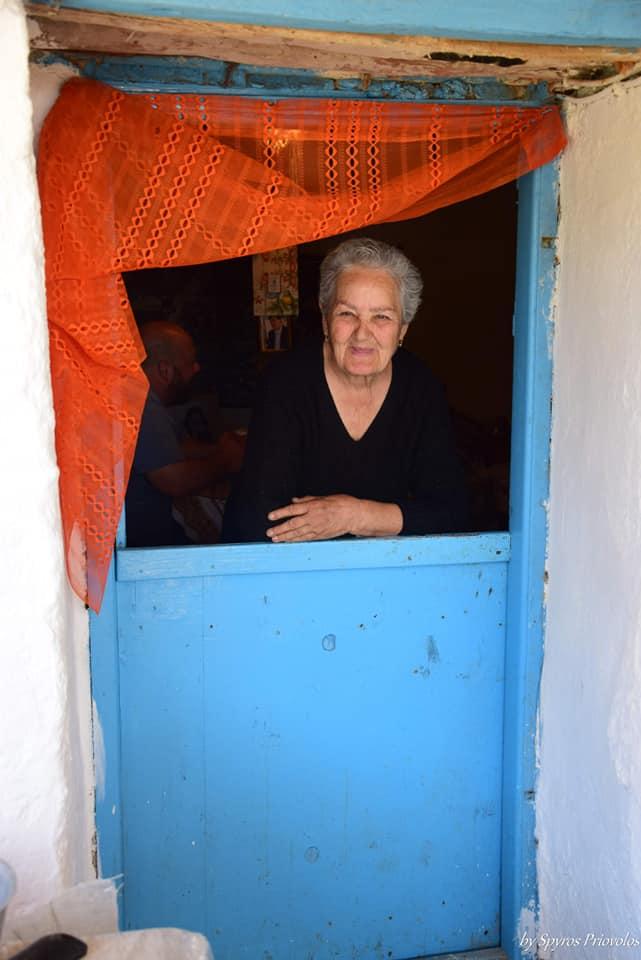 Σήμερα γιορτάζει μία γυναίκα Ακρίτας, η κυρία Ειρήνη Κατσοτούρχη, η μοναδική κάτ... 5