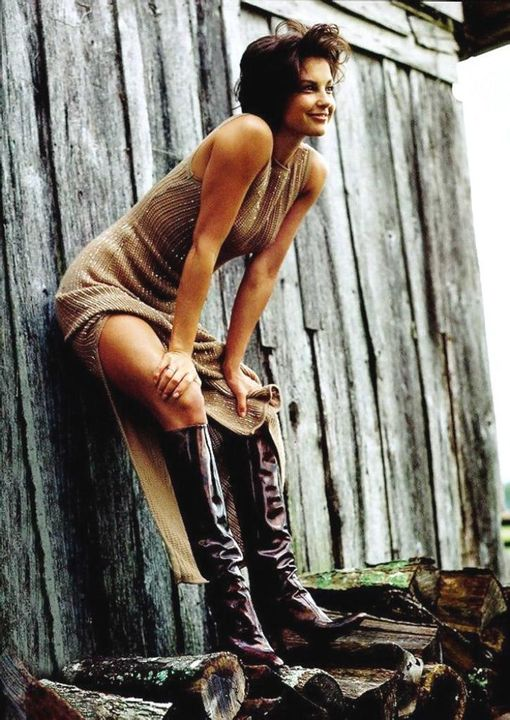 Ashley Judd.... 1