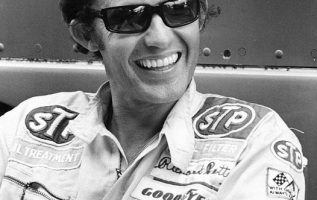 Happy Birthday to Richard Petty who turns 84 today! Pictured here in 1975.... 2