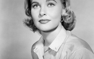 Lola Albright (July 20, 1924 - March 23, 2017)....