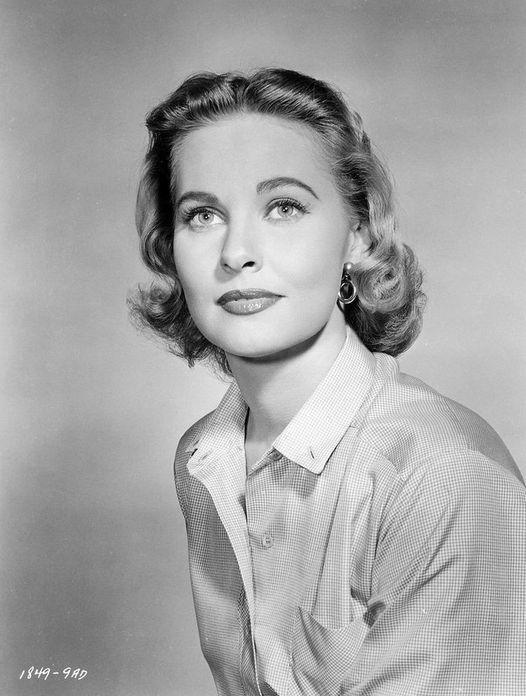 Lola Albright (July 20, 1924 - March 23, 2017).... 1