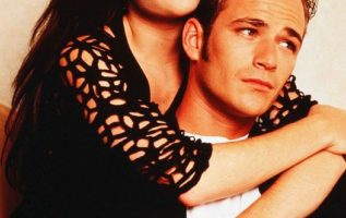 Shannen Doherty and Luke Perry on Beverly Hills 90210....