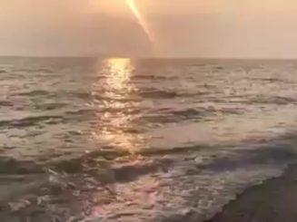Να σας χαλαρώσω μ ένα όμορφο ηλιοβασίλεμα και υπέροχη μουσική...Καλό μας ξημέρωμ...