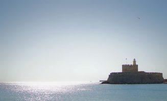 Εφέτος, ανήμερα της Παναγιάς, συμπίπτει να εορτάζεται και η διεθνής ημέρα Φάρων....