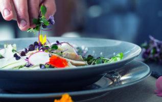 Και όμως τα λουλούδια τρώγονται! 5 άνθη που μπορούν να μπουν στο πιάτο σας...
