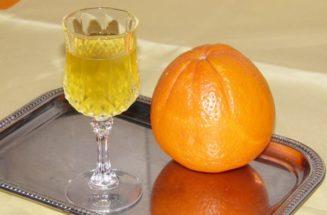 Λικέρ πορτοκάλι με κανέλα...