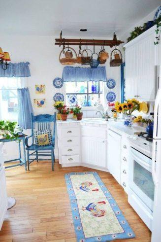 Πόσο όμορφη ,φωτεινή,κουζίνα !!...