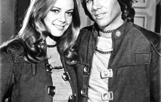 Anne Lockhart and Richard Hatch as Sheba and Apollo on Battlestar Galactica....