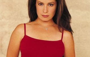 Holly Marie Combs....