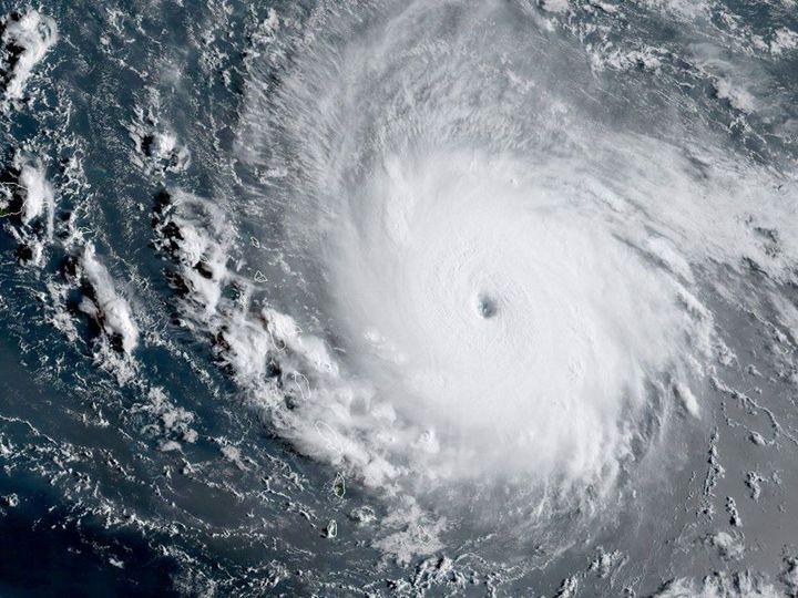 Γνωρίζετε ότι, η διάμετρος των τροπικών κυκλώνων μπορεί να φτάσει τα 1.800 χιλιό... 1
