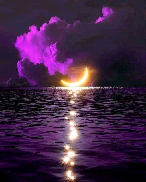 Πόσο όμορφο είναι το φεγγάρι, πόσο όμορφη είναι η νύχτα, πόσο όμορφο είναι να ον... 1