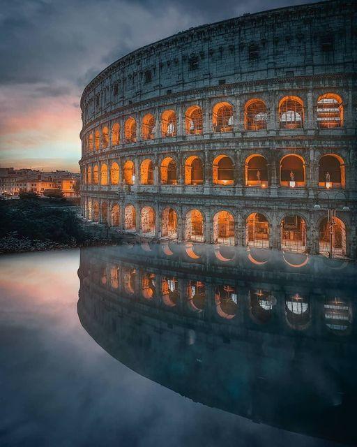 Το Φλάβειο Αμφιθέατρο, από τον μεσαίωνα γνωστό ως το Κολοσσαίο ήταν ένα αμφιθέατ... 1