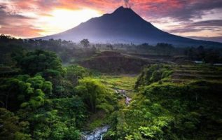 Air Terjun Kedung Kayang, Indonesia...