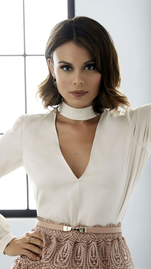 Happy Birthday to Actress Nathalie Kelley who turns 37 today!... 1
